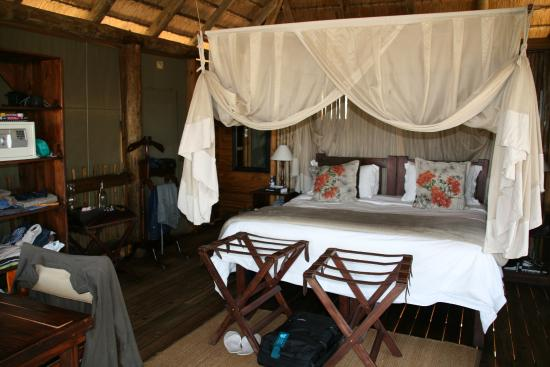 nThambo Tree Camp: Intérieur chambre