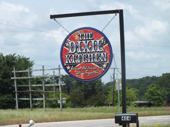 Bogata, Teksas: Enseigne
