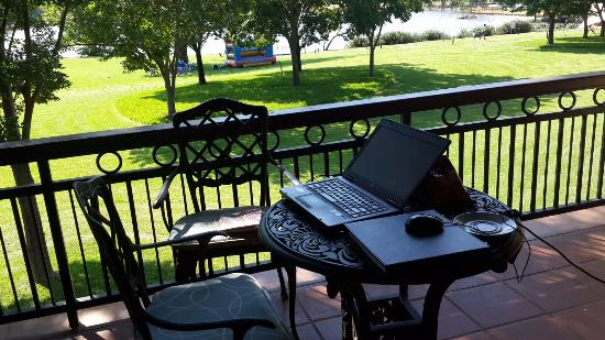 African Pride Irene Country Lodge: Working from Hotel... :-)
