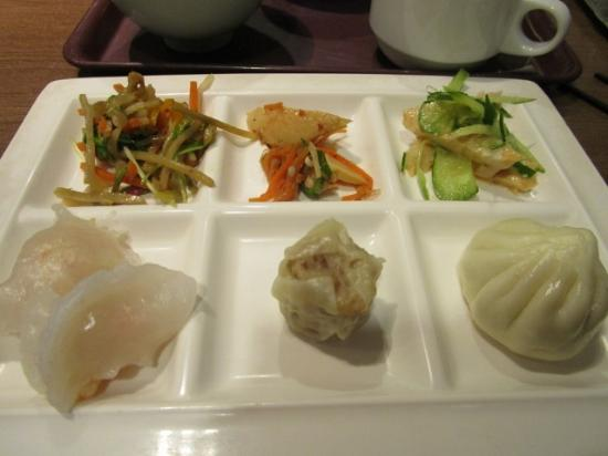 Buffet Grand China  Tenjin Acros: 料理