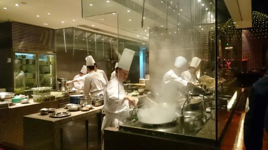Restaurant open kitchen Display 1881 Chinese Restaurant Grand Hyatt Shenzhen Open Kitchen Tripadvisor Open Kitchen Picture Of 1881 Chinese Restaurant Grand Hyatt