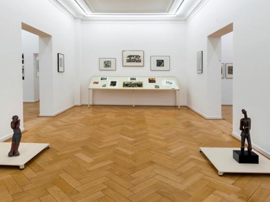 Museum of World Cultures (Museum der Weltkulturen): Ausstellungsansicht A LABOUR OF LOVE, Weltkulturen Museum 2015, Foto: Wolfgang Günzel