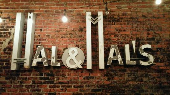 Hal & Mal's Restraurant : 0108161839_large.jpg