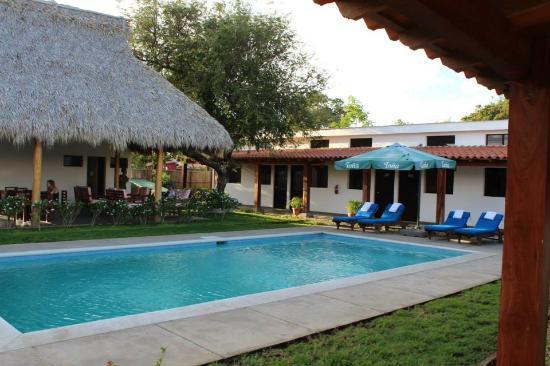 Machele's Place: Pool & Restaurant