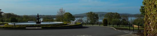 Mountnugent, Irlanda: Fountain & Lake