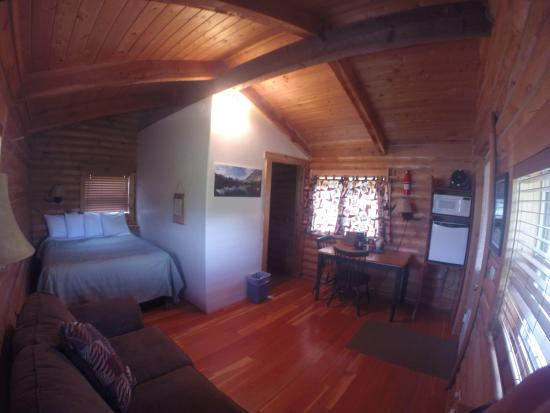 Glacier Trailhead Cabins: Interior of cabins #1-12