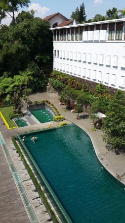 Padma Hotel Bandung: 20150602_122630_large.jpg