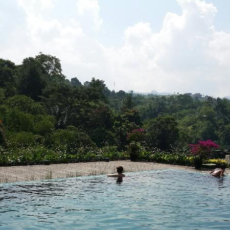 Padma Hotel Bandung: IMG_20150602_121157_large.jpg