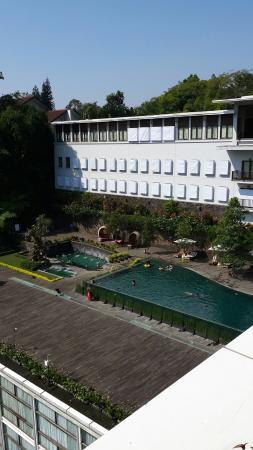 Padma Hotel Bandung: 20150602_095513_large.jpg