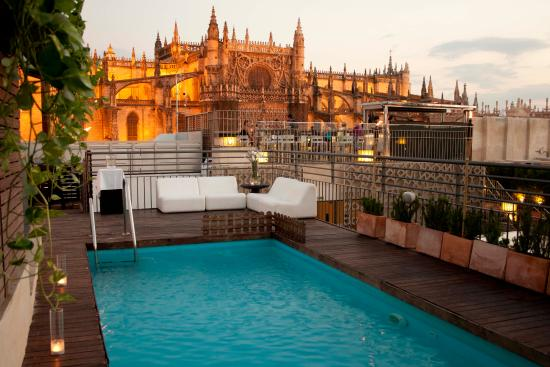 Piscina eme catedral hotel sevilla picture of eme for Piscine sevilla