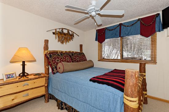 The Crestwood Condominiums: Standard Bedroom