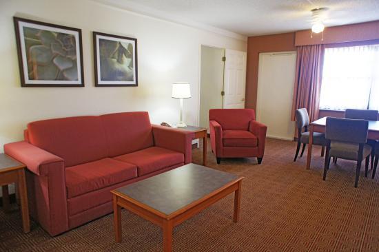 La Quinta Inn & Suites Coral Springs University Dr : Suite