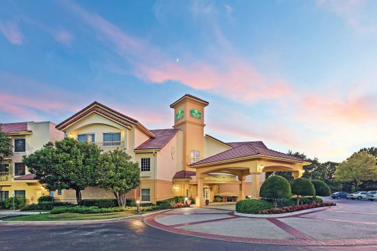 Photo of La Quinta Inn & Suites Dallas Addison Galleria