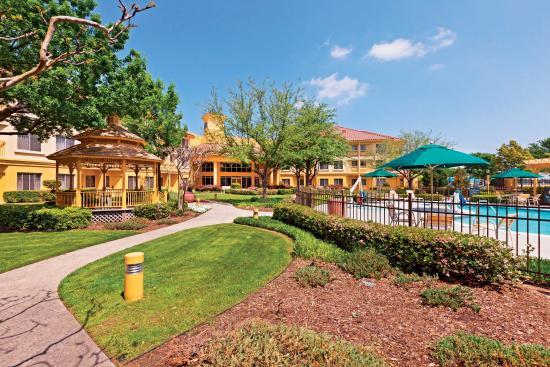 Irving, Teksas: Courtyard