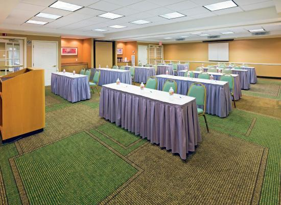 La Quinta Inn & Suites Dallas DFW Airport North: Meeting Room