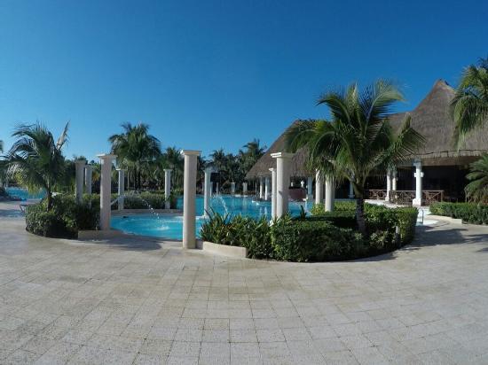 Grand Palladium Kantenah Resort and Spa: GOPR0170_1452113017011_low_large.jpg
