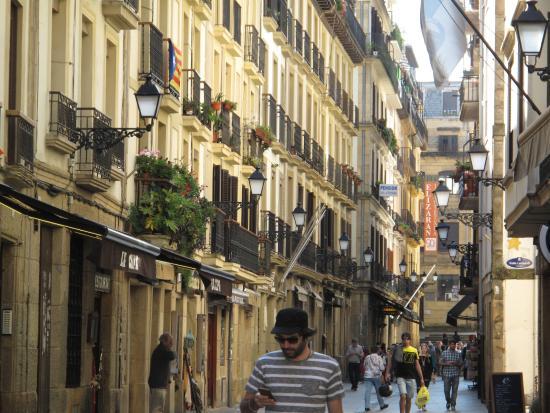 Hotel Niza: Old Town Tapas Bars