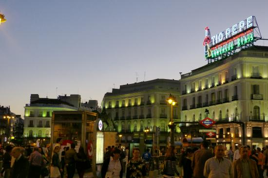 Sol picture of puerta del sol madrid tripadvisor for Puerta del so