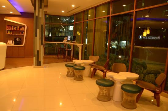 Travelodge Pattaya: Hotel lobby