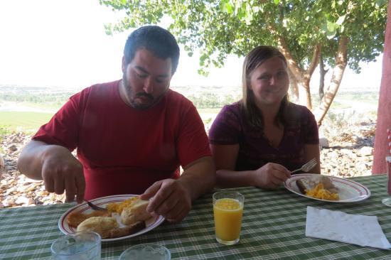ภายใน, เซาท์ดาโคตา: Breakfast yummy