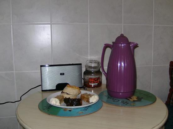 Innerleithen, UK: Afternoon tea