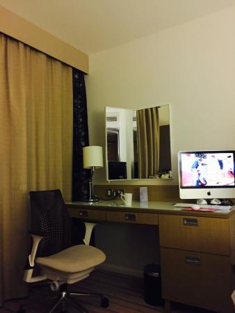 Hilton Garden Inn Bristol City Centre: Room