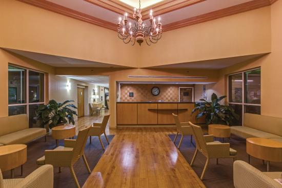 La Quinta Inn & Suites West Palm Beach Airport : Lobby