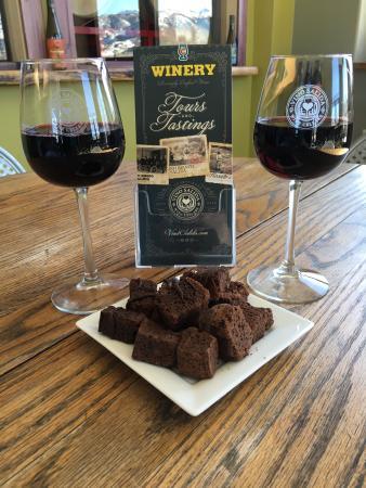 Vino Salida Wine Cellars : Yummy brownie bites from Sweetie's Bakery