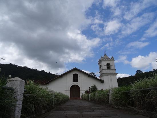 Orosi River Valley  ( El Valle del Rio Orosi ): Oldest church in Costa Rica, in Orosi