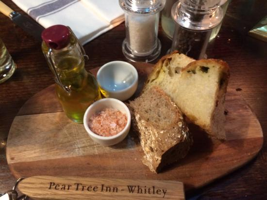 Whitley, UK: Home-made bread