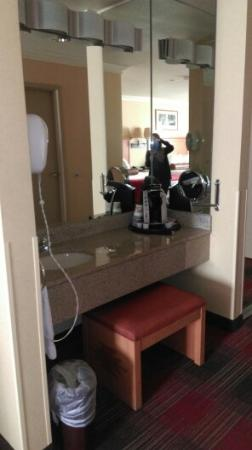 BEST WESTERN PREMIER Grand Canyon Squire Inn: lavabo camera