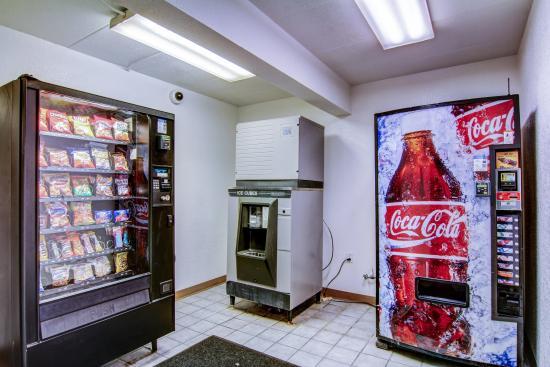Florissant, MO: Vending