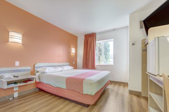 Motel 6 Roseburg: Guest Room