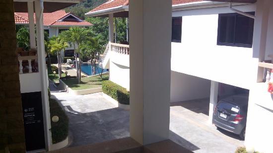 Phuket Riviera Villas: территория виллы