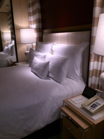 bed and nightstand picture of encore at wynn las vegas las vegas rh tripadvisor co za