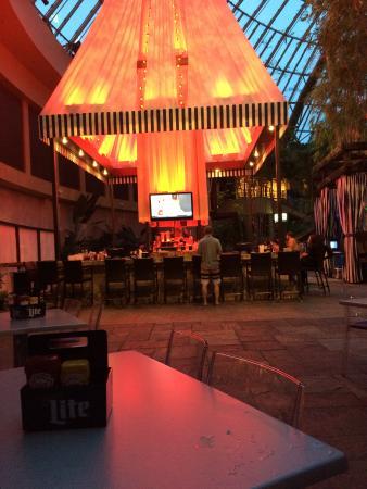 Harrah's Resort Atlantic City: Pool Bar