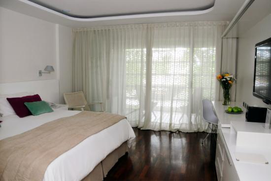 Ilum Experience Home: Classic Room