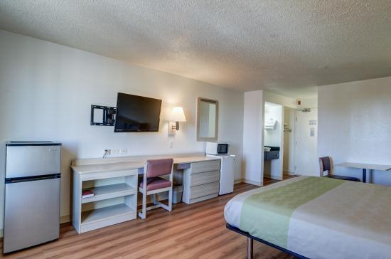 Motel 6 Denver South - South Tech Center: Guest Room