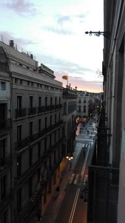 Hotel Jaume I: Le Ramblas sono a 500 m dalla struttura.