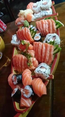 Na Barca Sushi e Grelhados