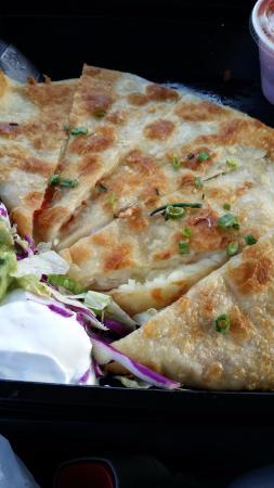 El Torito Mexican Grill : an appitizer, quesadilla with guacamolli & cream