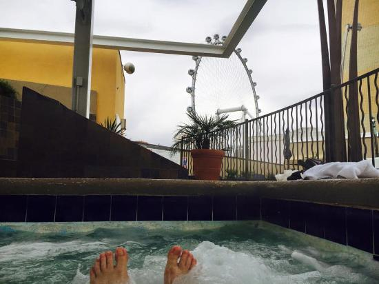 The Westin Las Vegas Hotel, Casino & Spa: view from the hot tub