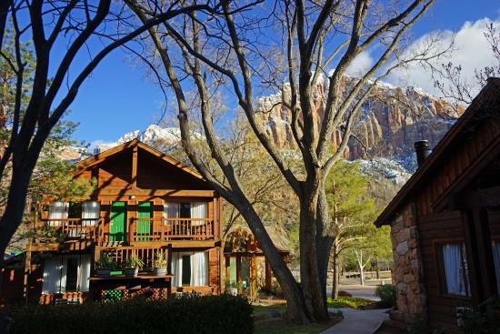 Flanigan's Inn: Beautiful location & grounds