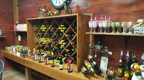 Three Dudes Winery: FB_IMG_1452561963604_large.jpg
