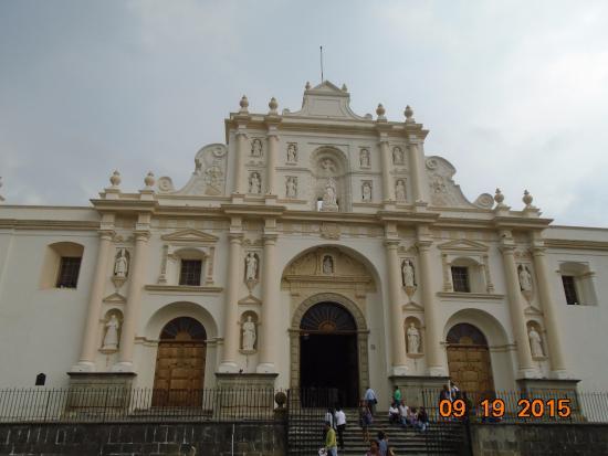 كاتدرائية سانتياجو: Facade
