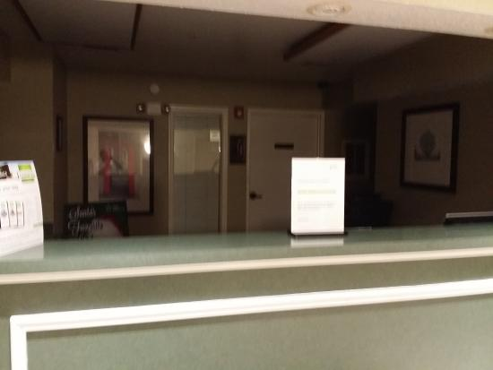 abdonded front desk no one to get us checked in picture of rh tripadvisor com