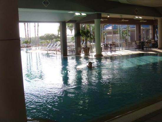 Bluegreen Fountains Resort: Indoor/Outdoor pool