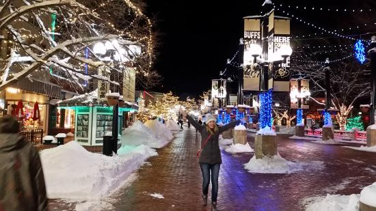 Pearl Street Mall at Christmas time - Picture of Pearl Street Mall ...