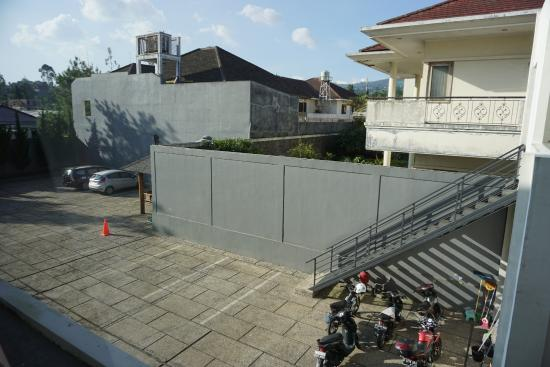 car park picture of villa puri teras bandung tripadvisor rh tripadvisor com sg
