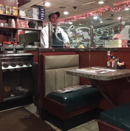 Gene's Coffee Shop: Interior